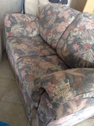 divano in regalo regalo divano due posti baiso
