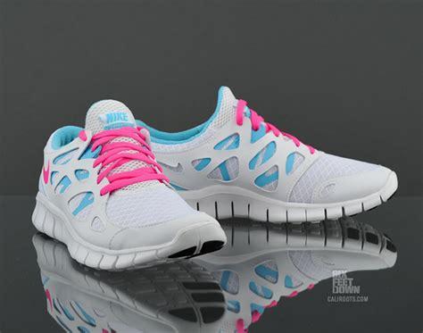 nike wmns nike free run 2 white pink blue pool