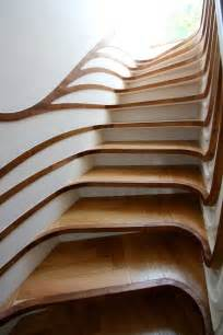 treppe design curved staircase digsdigs