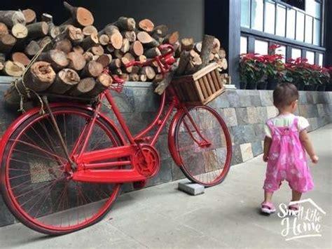 Gembok Cinta Di Farmhouse Lembang jalan jalan ke lembang farmhouse rumah hobbit smell like