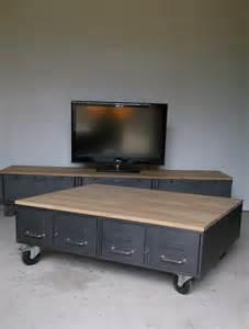 table basse industrielle anciens tiroirs m 233 tal et bois
