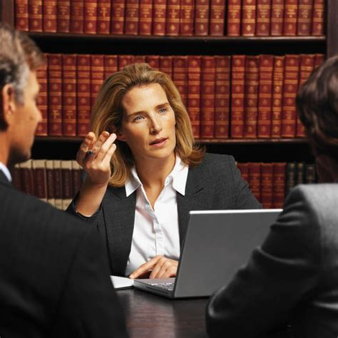 Do Lawyers Or Mba Make More by Different Kinds Of Lawyers How Much Money They Make