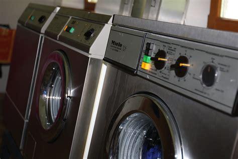 Stein In Waschmaschine by Cing Cing Stein