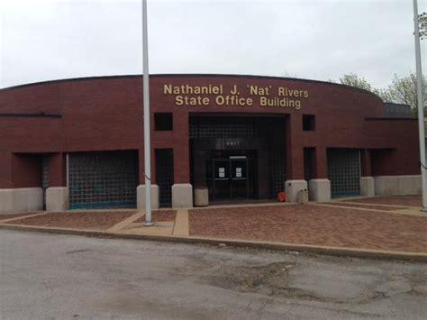St Louis Unemployment Office by Chicago Social Entrepreneur Emile Cambry Brings Education