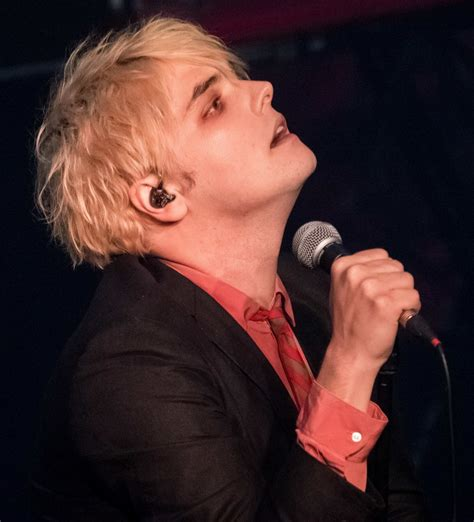 gerard way gerard way picture 12 gerard way performing live in concert