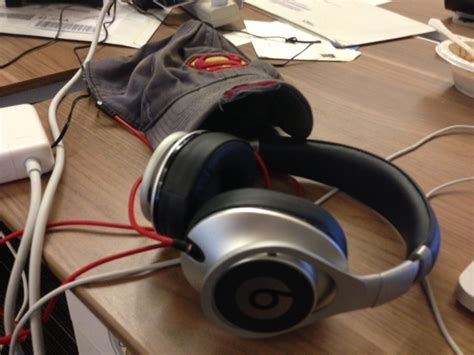 Jual Headset Beats By Dre here s the beats by dre executive headphone review by someone who actually used them techcrunch