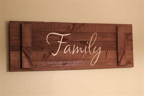 woodworking sign wood pallet sign diy craft addiction