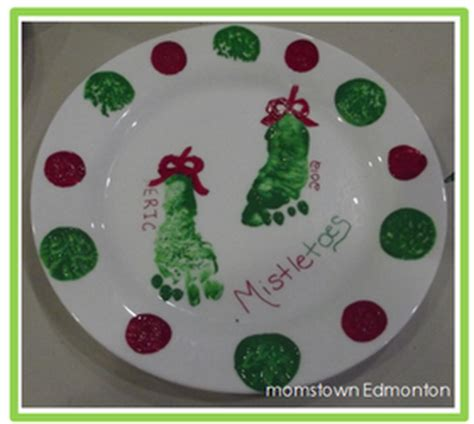 diy baby s first christmas footprint plates