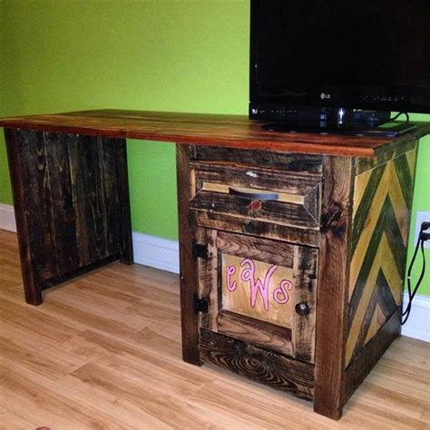 diy pallet computer desks recycled things