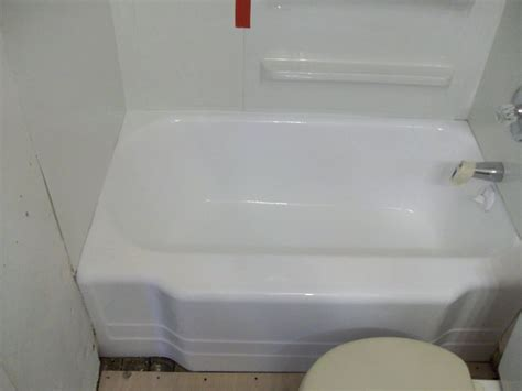 Resurfacing A Bathtub Cost by Bathtub Refinishing Tile Resurfacing In Worthington Mn