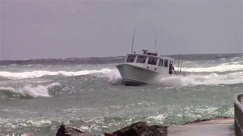 boat sinks in jupiter inlet 44 duffy charter boat samana coming in jupiter inlet on