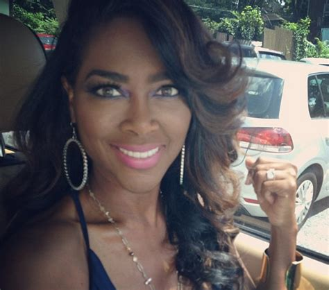 Kandi Burruss Hair Line | enough of the weave lines rhoa s kenya moore announces