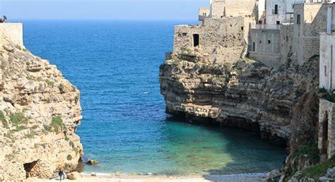 le terrazze cisternino estate in puglia trulli spiagge e terrazze sul mare