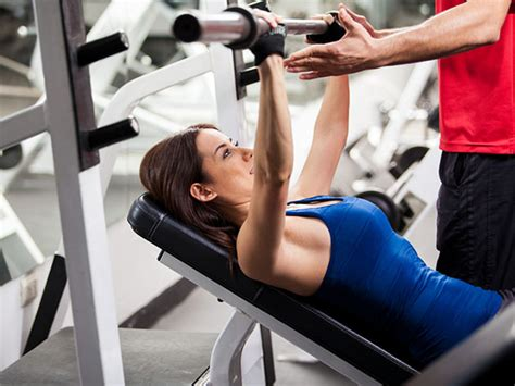 Can Actually Help You Get Fit by Does A Personal Trainer Really Help You Get Fit Boldsky