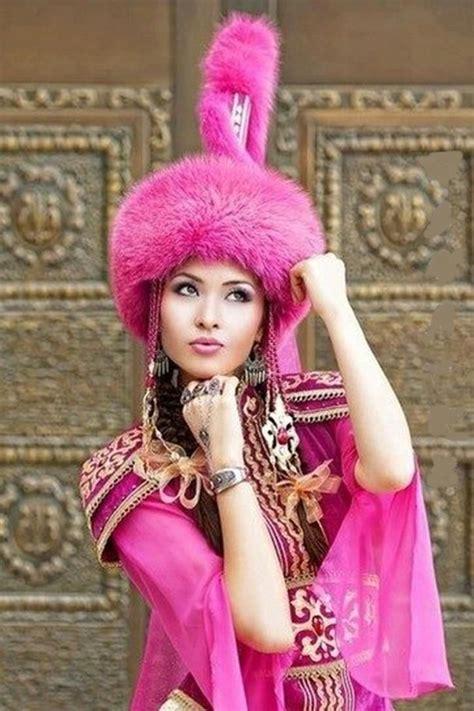 beautiful kazakh woman kazakhs   turkic people
