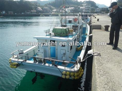buy a boat in japan used fiberglass fishing boat japan supply frp fishing