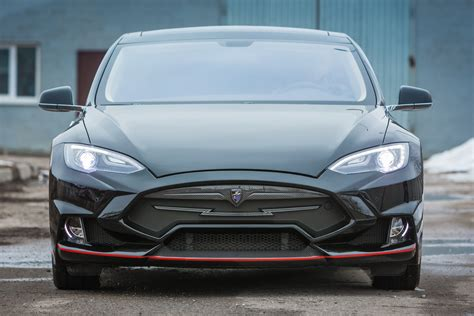 Tesla Model S Designer Larte Design Et Une Tesla Model S Le Auto