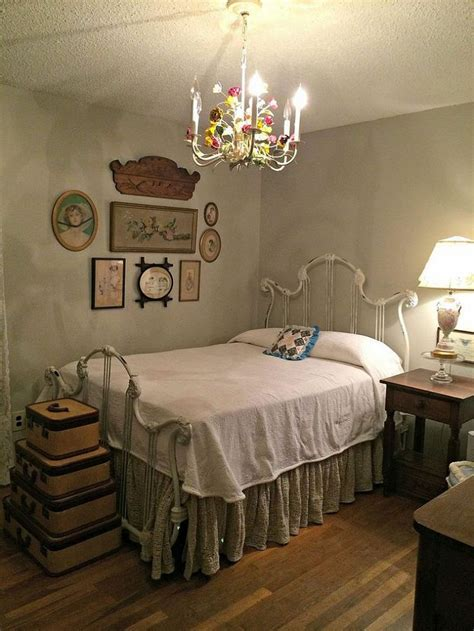 Vintage Bedroom Wall Ls by 99 Best Images About Living Room Colors On