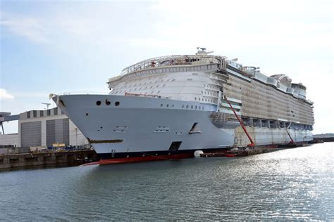 world s largest cruise ship debuts with high energy high world s largest cruise ship to debut earlier than expected
