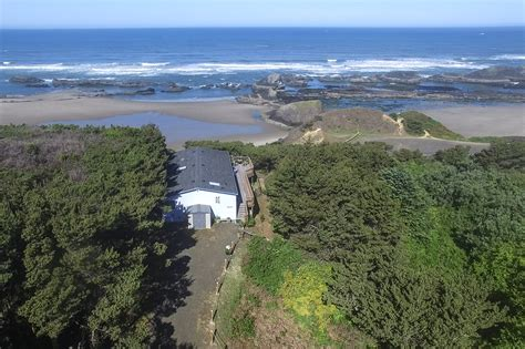 rentals in lincoln city oregon oregon rentals oregonshearwater vacations