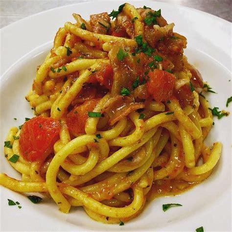 pasta fresca al autntico 8494193422 bigoli di pasta fresca al sugo di guanciale e pomodoro picture of loghino belsito ceresara