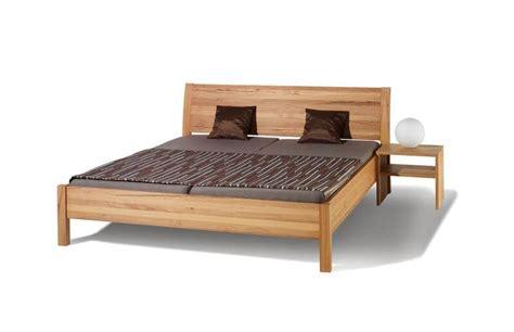 schlafen bett bett swing gt die holzschmiede massivholzm 246 bel