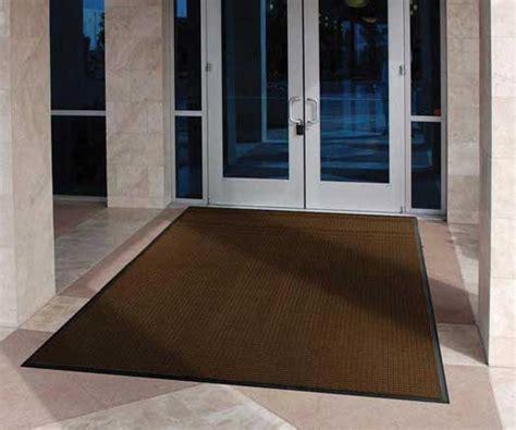 door rugs that absorb water spongemat water absorbing indoor entrance mat with rubber gripper back