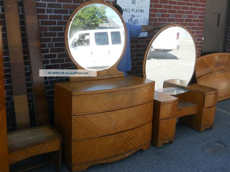 Art Deco Waterfall Bedroom Set 1930s 1940s Antique Vintage Waterfall Deco Bedroom Furniture