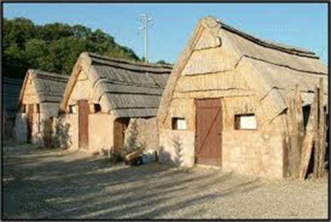 casa etrusca gli antichi etruschi vivevano in capanne