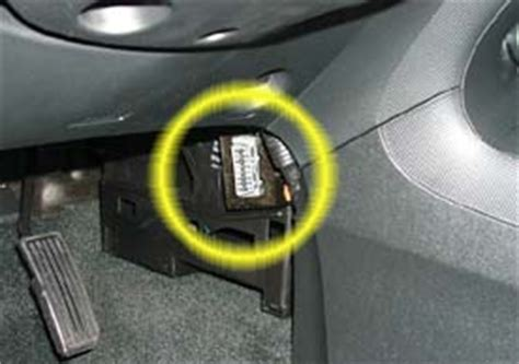 Car Computer Port by Nissan Maxima Obd2 Port Location Likewise Nissan Altima