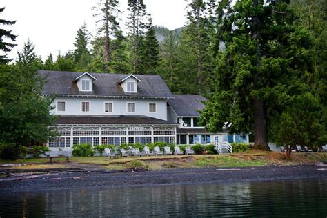 lake crescent lodge extends season as olympic national
