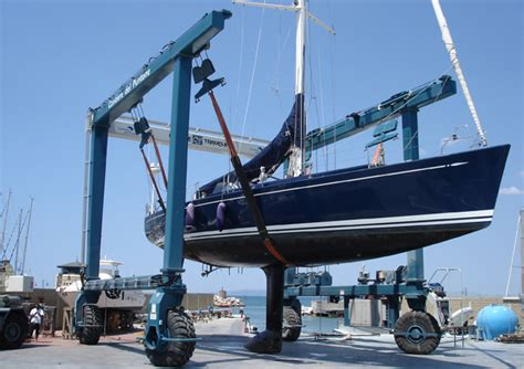 boat lift uneven mobile boat hoist harris equipment systems