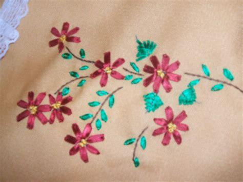 bordados para manteles mantel bordado aprender manualidades es facilisimocom