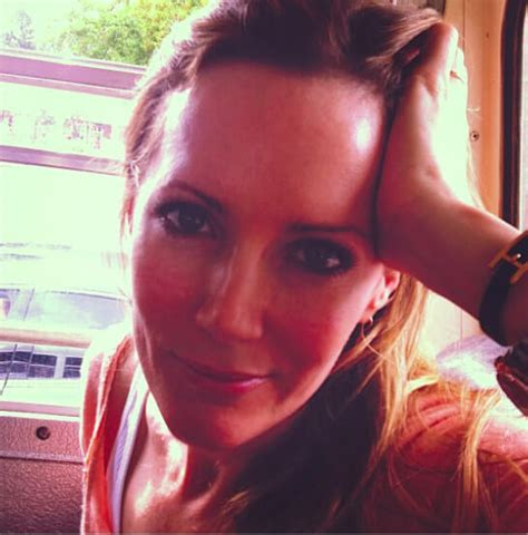 leslie mann on live with kelly and michael 16 facts about leslie mann the queen of comedy