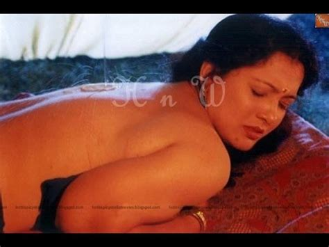 mallu bedroom hot hot mallu actress sindhu without sree in bedroom clip