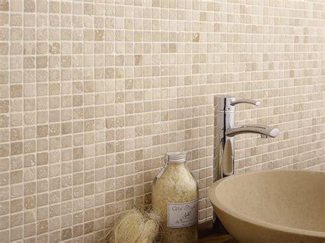 carrelage mosaique dans la salle de bains idees  conseils joli place