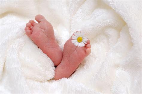 wann schläft baby durch ab wann schlafen babys durch 10 tipps zum babyschlaf