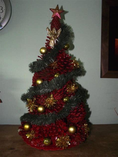 navidad adornos de navidad con pias de pino como hacer un 225 rbol de navidad con pi 241 as de pinos