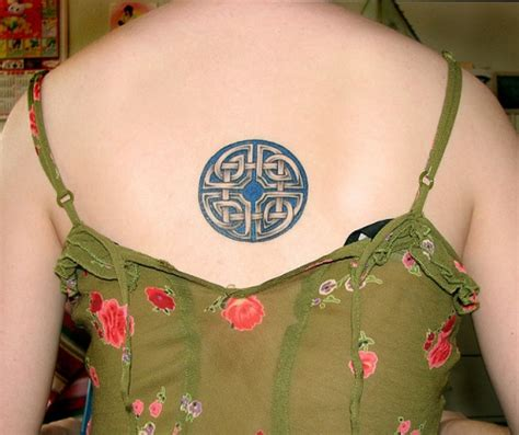 celtic circle tattoo designs 30 cool celtic knot tattoos creativefan