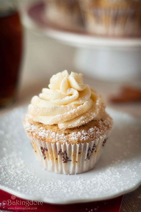 maple frosting 167 best cakes images on pinterest petit fours conch