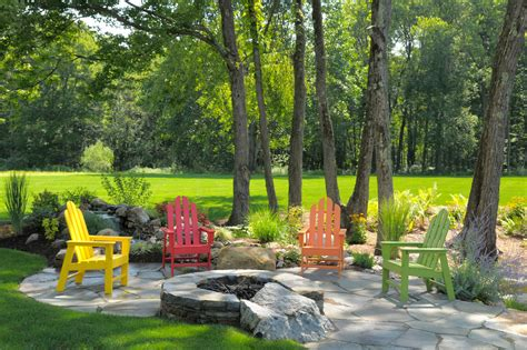 Colorful Lawn Chairs by Staggering Stackable Plastic Lawn Chairs Decorating Ideas