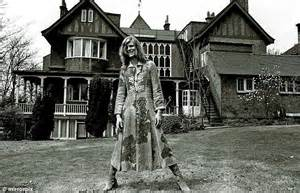 david bowie house david bowie he weighed about 98lb for young americans and was the whitest white man