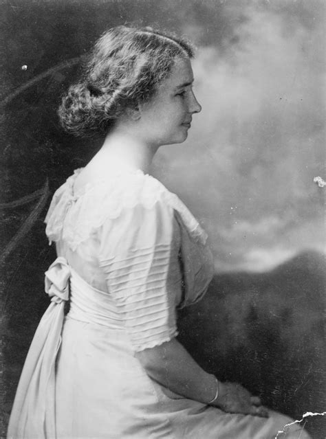 biography of helen a keller helen keller quotes about life love happiness