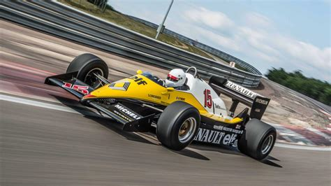 Get ready for the return of the Renault F1 team   Top Gear