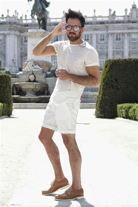 picture of relaxed all white look with white shorts and a