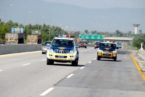 motor machine national city motorway seizes 3950 bottles of liquor pakistan today