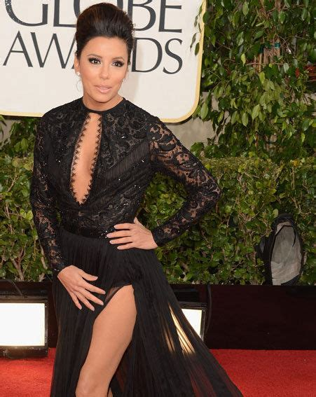 longoria has wardrobe malfunction in golden globe 2013