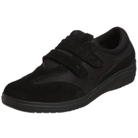 comfortable shoes for waitressing waitress comfortable shoes latest trend fashion