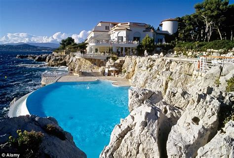hotel du cap eden roc what really makes a hotel a five star hotel daily mail