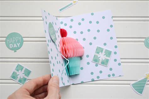 Diy Pop Up Birthday Card Honeycomb Cupcake Pop Up Card Video Tutorial We R